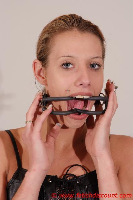 fesseln bondage mundspreitzer