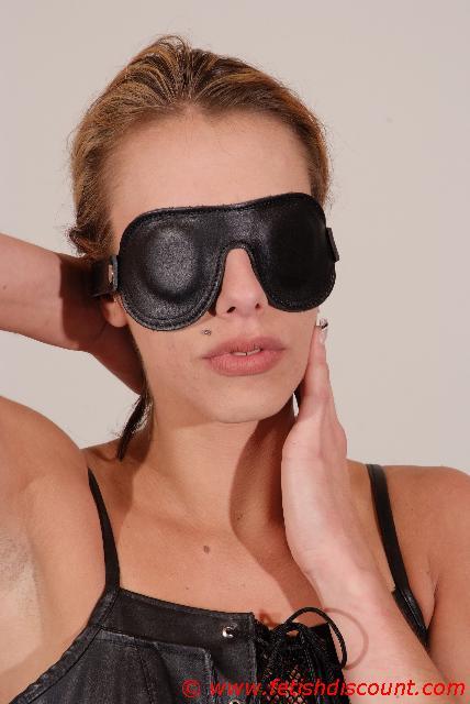 Leder Augenbinde - simple leather blindfold