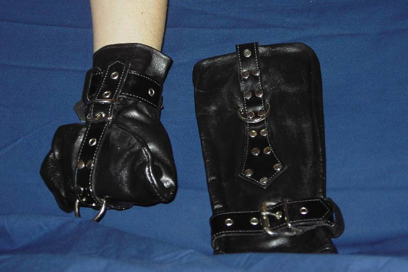 Fesselhandschuhe - Verschärfte Version // ultimate restraining mittens